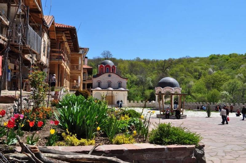 Giginski Manastir Sveti Bezsrebrenici Kozma I Damyan Selo Giginci